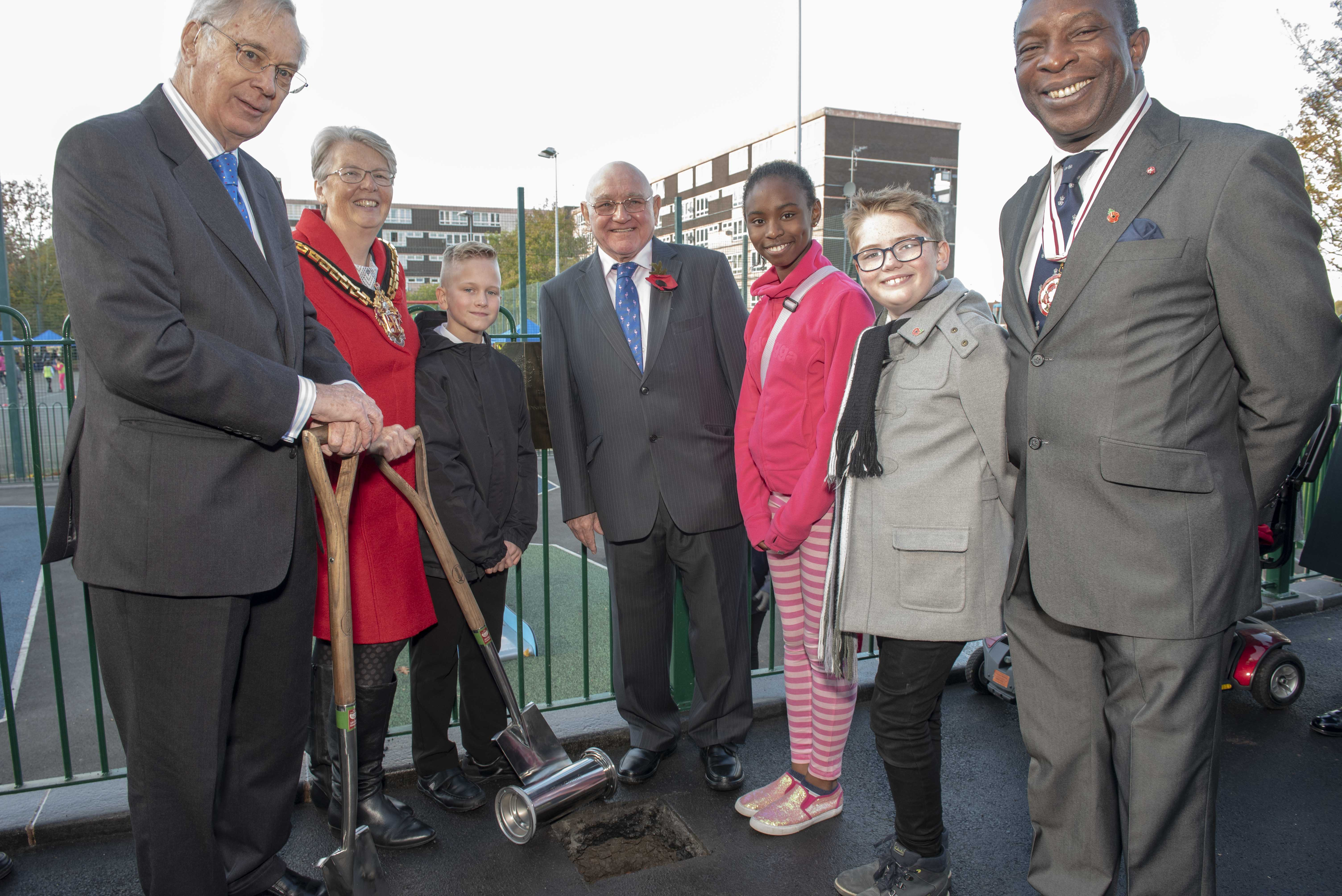 Heath Town celebrates 50 years with Royal visit